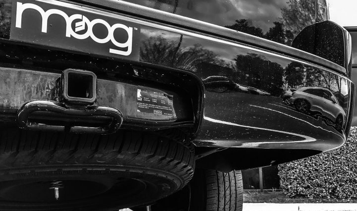 MOOG Header